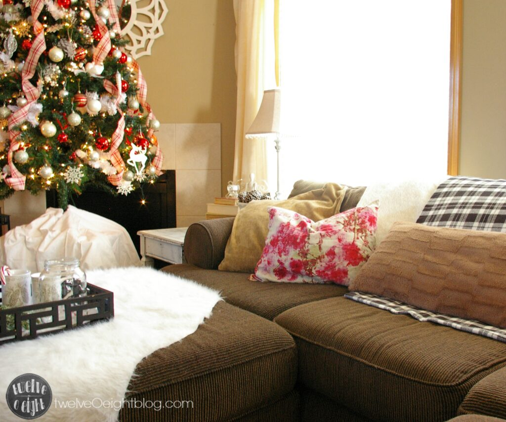 Blogger Home Tour Christmas 2014 #Christmas #DIY #HomeTour #ChristmasTree #twelveOeightblog