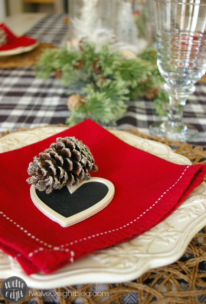 Christmas Dining Room Table #ChristmasDecor #DIY #ChristmasPlaceSetting #twelveOeightblog