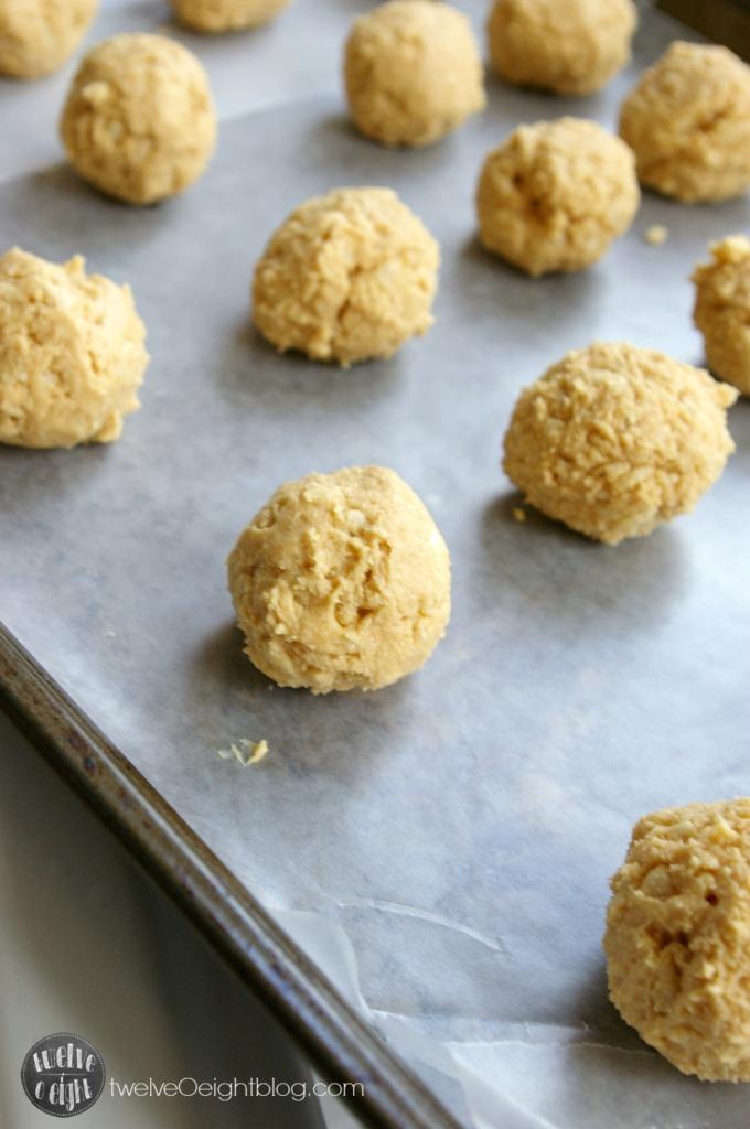 No Bake Peanut Butter Balls twelveOeightblog.com #nobake #dessert #twelveOeightblog