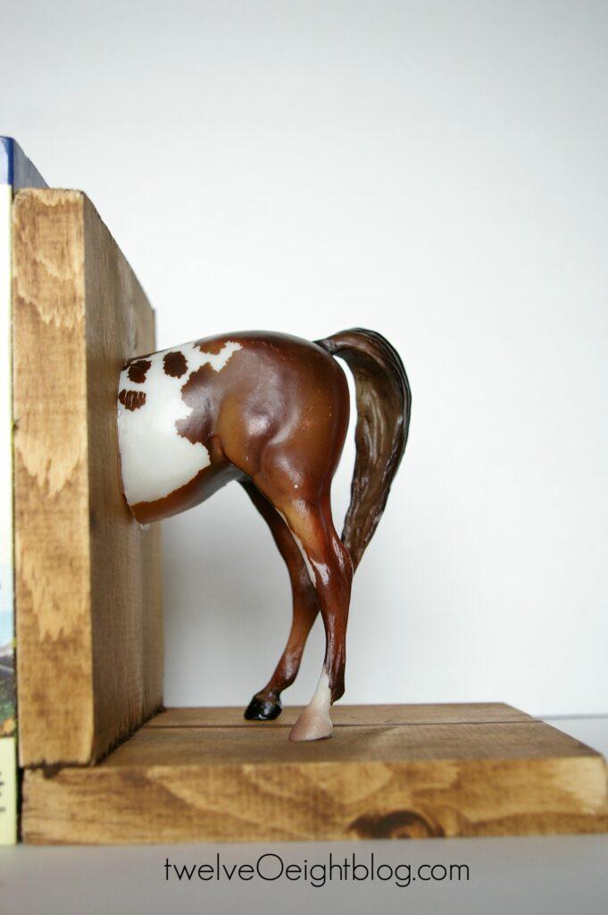 DIY Horse Bookends 2 twelveOeightblog.com