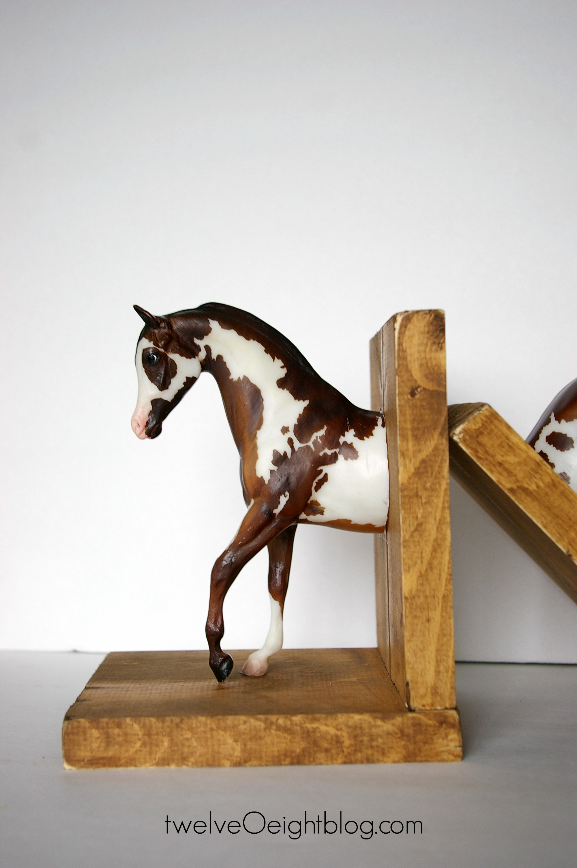 Diy spotted horse bookends how to make horse bookends twelveoeightblog horse diy bookend craft solutioingenieria Gallery