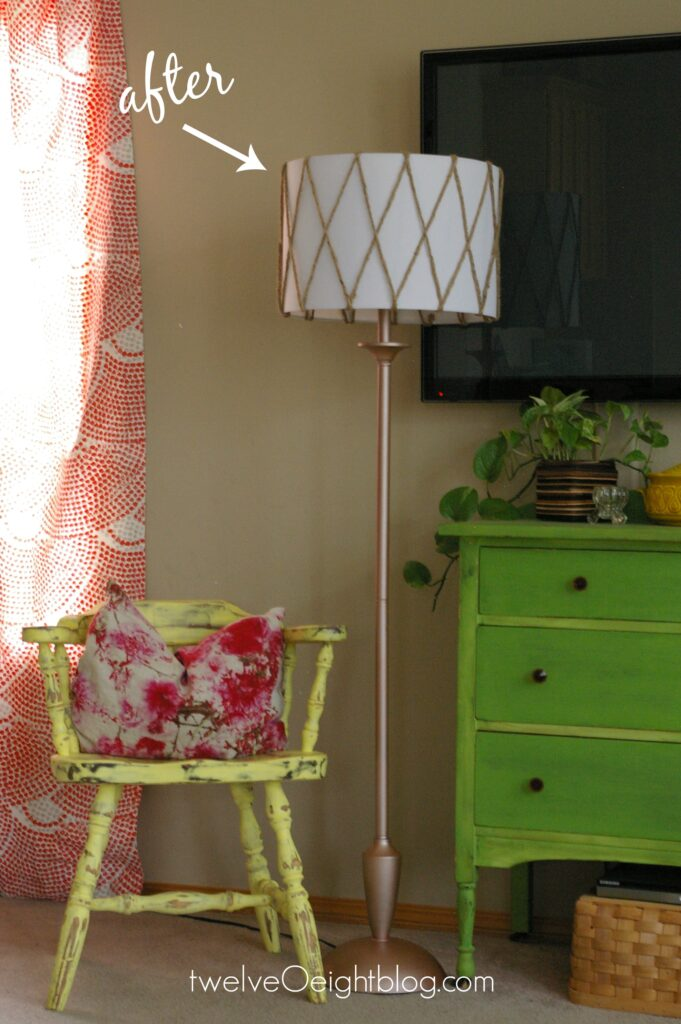 DIY Lamp Makeover #lamp #floorlamp #DIY #modern #doityourself #thriftstore #makeover #twelveOeight
