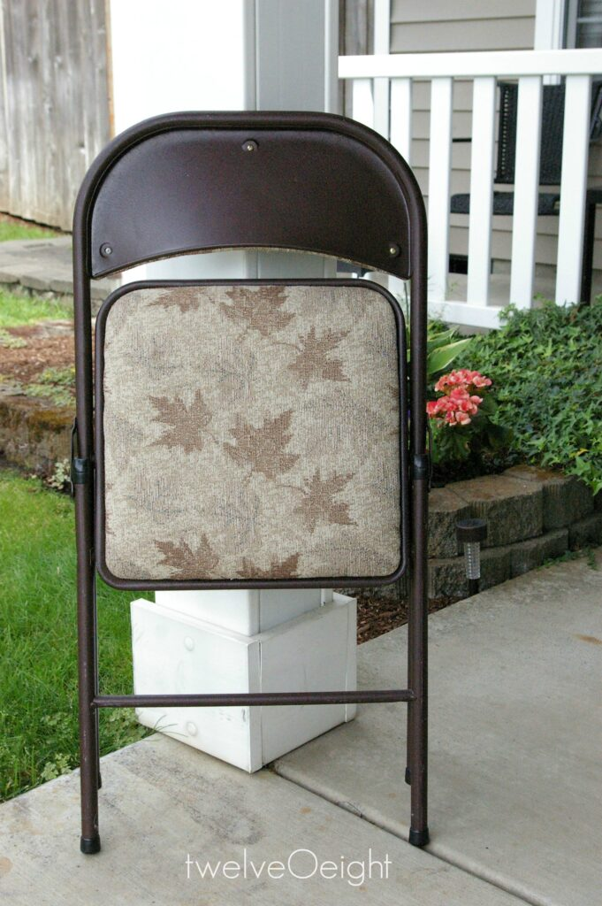 folding metal chair makeover before #twelveOeight #paintedchair #thriftstore #diy