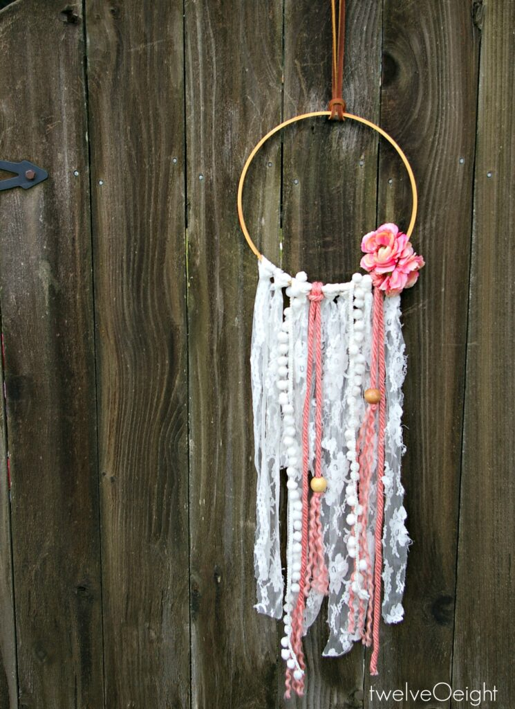 How to make a dream catcher #diy #dreamcatcher #modern #bohostyle
