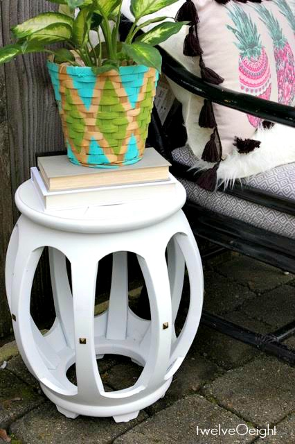 How to paint furniture #chalkpaint #diy #howtopaint #spraypaint #diy #twelveOeight