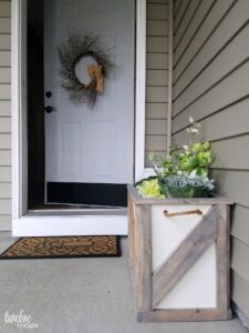 #barndoor #farmhouse #planter #diy #twelveOeight